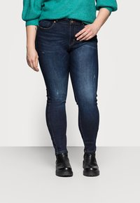 ONLY Carmakoma - CARFONA LIFE - Jeans Skinny Fit - dark blue denim - 0