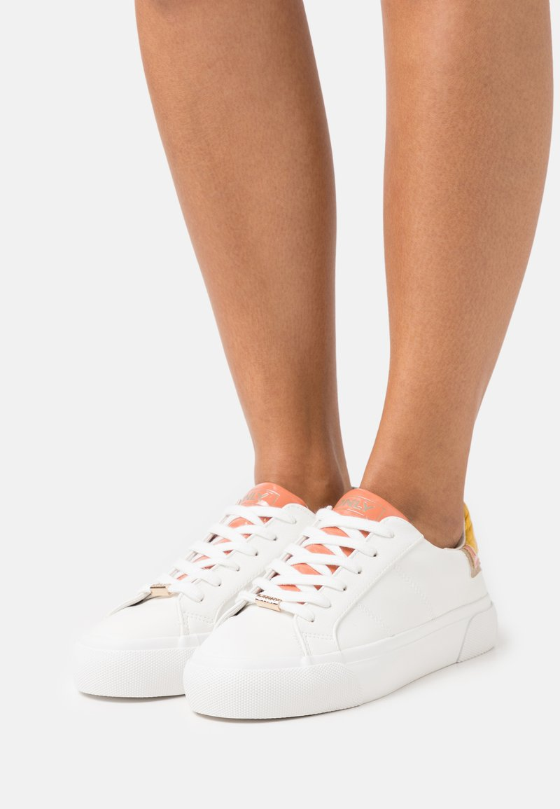ONLY SHOES - ONLLIV - Sneakersy niskie - white