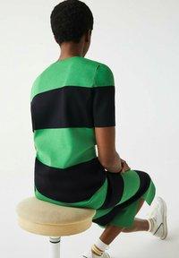 Lacoste LIVE - Print T-shirt - vert / bleu marine - 3