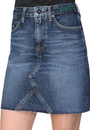 Denim skirt - save mid bl rig