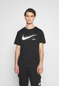 Nike Sportswear - TEE AIR - Triko spotiskem - black/reflective silver - 0