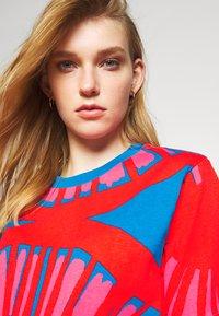 Marimekko - CREATED KUUSIKKO APPELSIINI - T-shirt print - bright blue/orange/pink - 3
