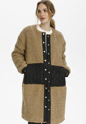 KARAINA BALMA  - Winter coat - amphora