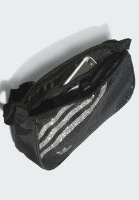 adidas Originals - Bandolera - black - 5