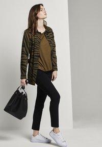 mine to five TOM TAILOR - Zebra-Muster - Summer jacket - olive zebra design - 1