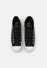Converse - CHUCK TAYLOR ALL STAR MC LUGGED - High-top trainers - black/white - 5