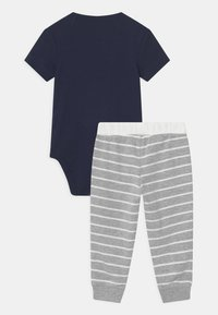 Carter's - ANIMAL SET - Print T-shirt - dark blue - 1