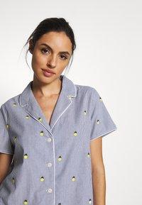 GAP - POPLIN - Pyjama top - light blue/yellow - 4