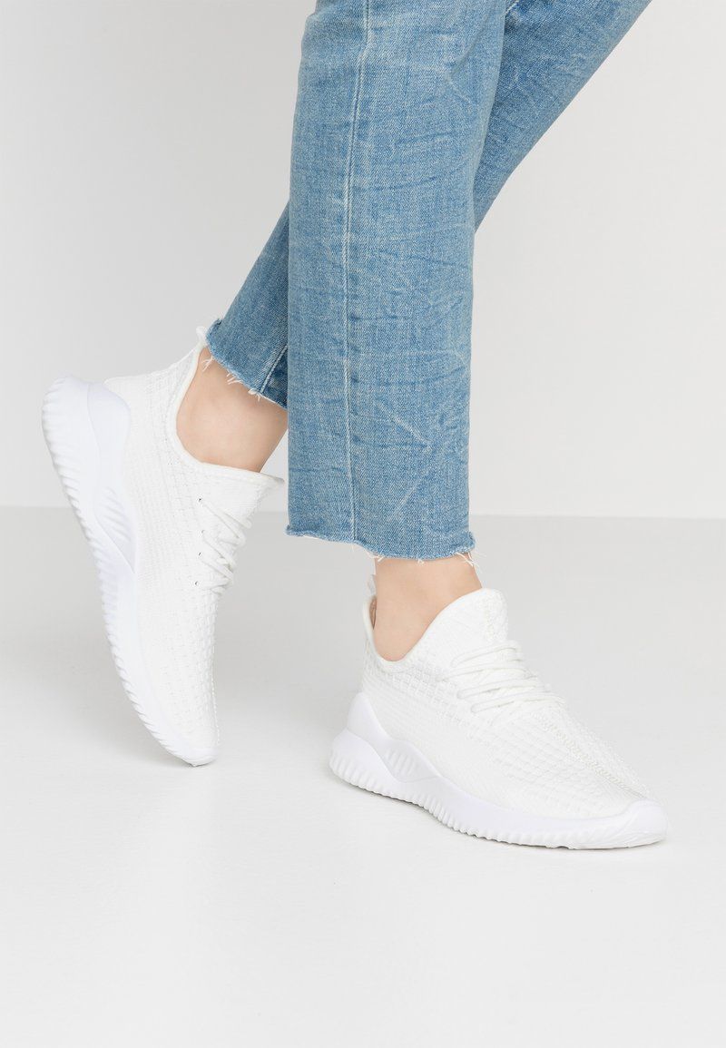 Rubi Shoes by Cotton On - LYDIA SOCK TRAINER - Sneakers laag - white