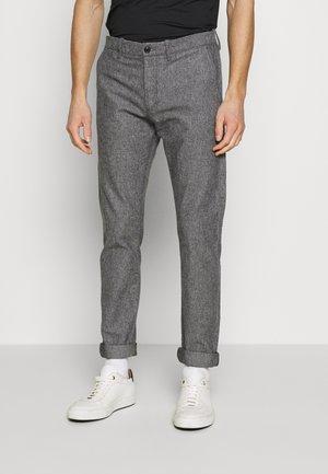 J.CREW STRETCH BRUSHED BROKEN TWILL - Chino kalhoty - grey