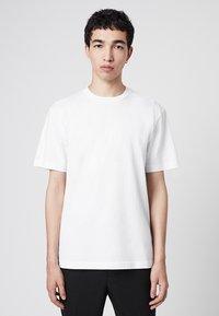AllSaints - MUSICA - Basic T-shirt - off-white - 0