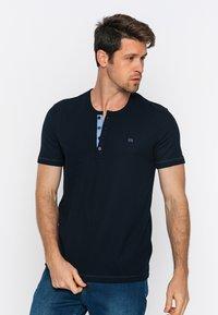 Basics and More - T-shirt - bas - navy - 4