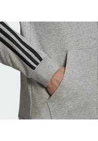 adidas Performance - ESSENTIALS FRENCH TERRY 3-STRIPES FULL-ZIP HOODIE - Felpa con zip - grey - 5