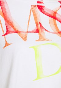 Deha - WIDE CROP - Print T-shirt - white - 2