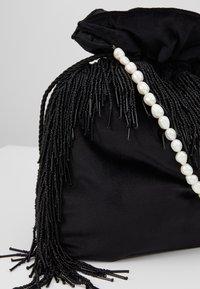 Hermina Athens - MEDUSA BAG - Håndveske - black - 2