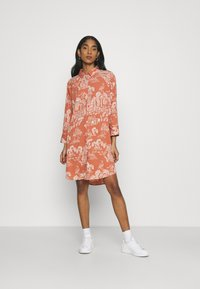 Monki - MOA RAGLAN SHIRTDRESS - Shirt dress - coralle - 1
