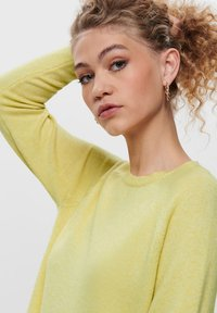 ONLY - LESLY KINGS - Trui - elfin yellow - 3