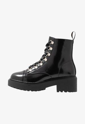 TESA - Snørestøvletter - black