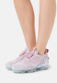 Nike Sportswear - AIR MAX VAPORMAX FK - Sneakers laag - violet ash/white/light arctic pink/violet/magic flamingo - 0