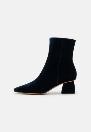 PAGE BOOT - Classic ankle boots - dark blue