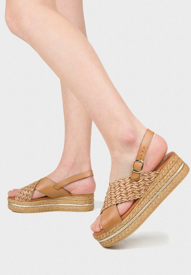 Eva Lopez - Platform sandals - cuir