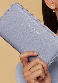 Isabel Bernard - Wallet - blau - 0