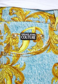 Versace Jeans Couture - BULL BAROQUE - Jeans slim fit - azzurro scuro - 5