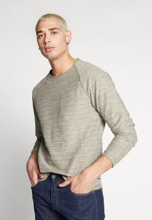 JJETERRY NECK - Sweatshirt - green