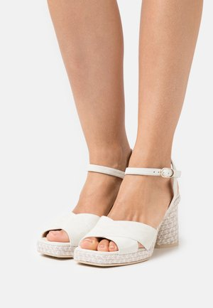 CORDELIA - Korkeakorkoiset sandaalit - todo/marfil