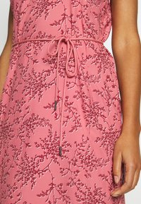 Jack Wolfskin - TIOGA ROAD PRINT DRESS - Sports dress - rose quartz - 4