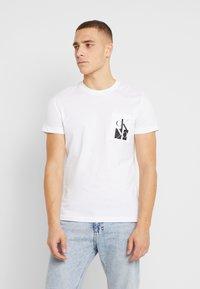 Calvin Klein Jeans - MIRRORED MONOGRAM SLIM TEE - T-shirt con stampa - bright white/black - 0