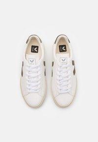 Veja - CAMPO - Baskets basses - extra white/kaki - 3