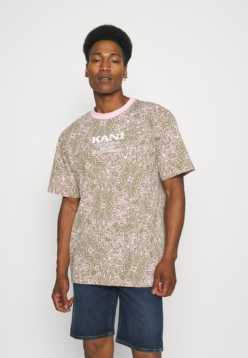 Karl Kani - UNISEX RETRO PAISLEY TEE - Print T-shirt - rose