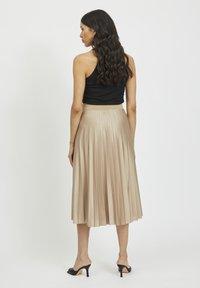 Vila - Pleated skirt - sandshell - 2