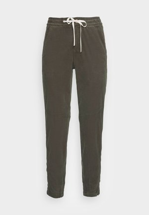 RELAXED FIT ANKLE LENGTH MID WAIST CUTLINES 5 POCKET - Tracksuit bottoms - fresh moss