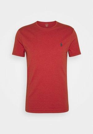 CUSTOM SLIM FIT JERSEY CREWNECK T-SHIRT - Basic T-shirt - chili pepper
