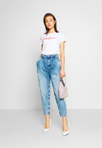 Pepe Jeans - AURORA PAINT - Jeansy Relaxed Fit - blue denim - 1