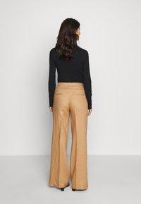 Benetton - TROUSERS - Spodnie materiałowe - beige - 2