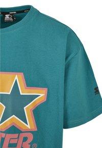 Starter - Print T-shirt - green/yellow/rose - 7