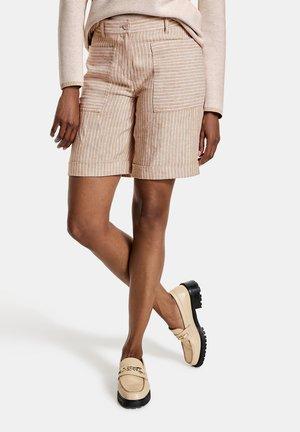 Shorts - beige/weiß
