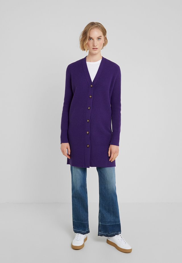Neuletakki - noble purple