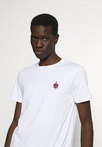 YOURTURN - T-shirt - bas - white - 3