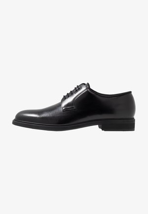 FIRSTCLASS - Derbies & Richelieus - black