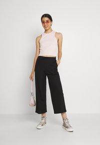 Even&Odd - TIE WAIST JERSEY CULOTTE - Trousers - black - 1