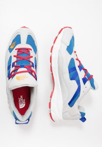 The North Face - ARCHIVE TRAIL KUNA CREST - Trainers - spackle grey/red - 1