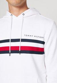 Tommy Hilfiger - LOGO HOODY - Sweat à capuche - white - 5