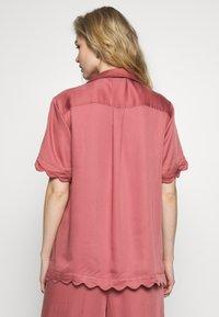 Underprotection - JANE - Pyjama top - coral - 2