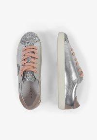 Scalpers - LIA - Sneakersy niskie - metal - 3