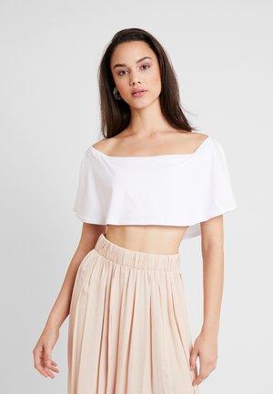 RUFFLE BARDOT - T-shirts basic - white