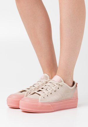 NIZZA SPORTS INSPIRED VULCANIZED SHOES - Sneakers - vapour pink/vista pink